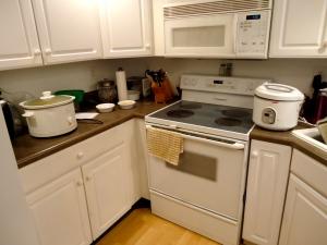 Right:  Rice Cooker, Left:  Crock Pot
